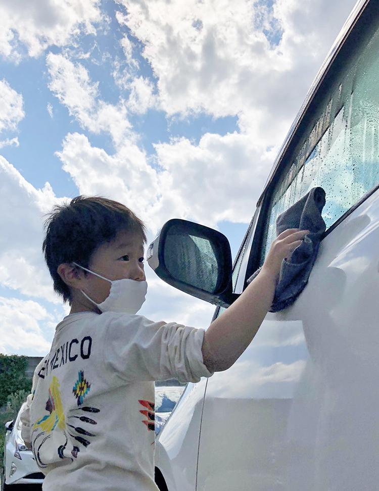 お子様との洗車風景_02